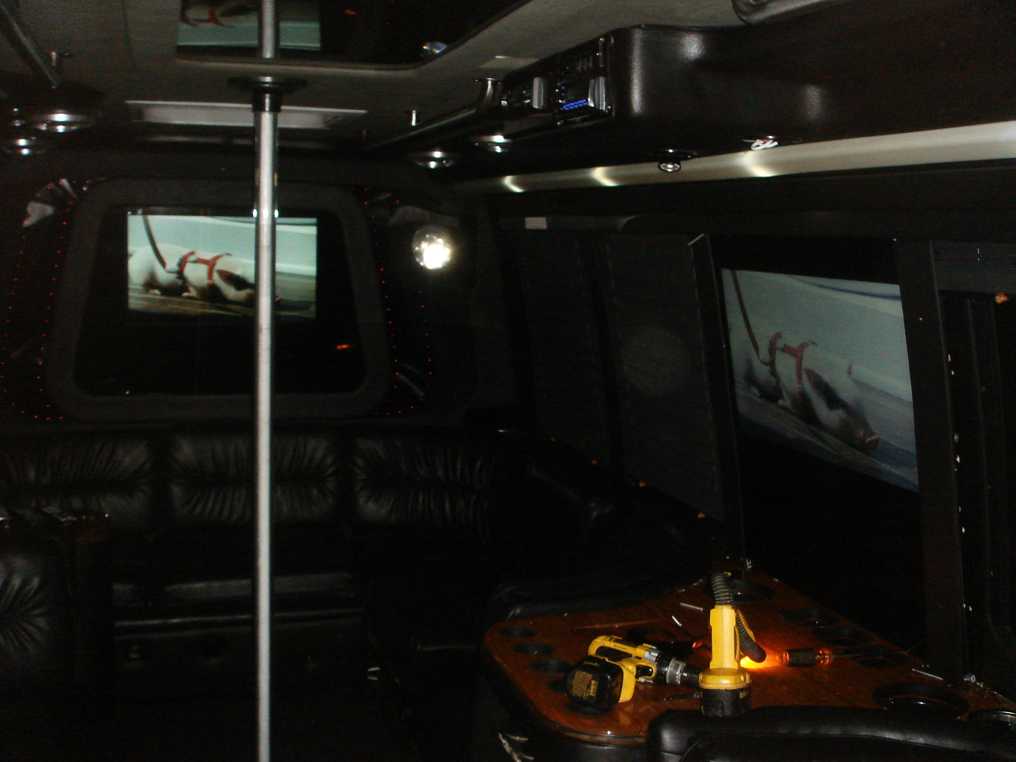 Limo Laser Strip pole Sound Video  Installation